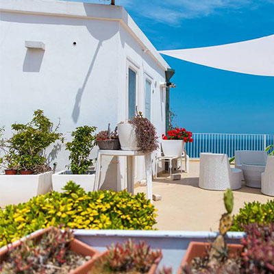 vista mare dal bed and breakfast amoredimare a Polignano
